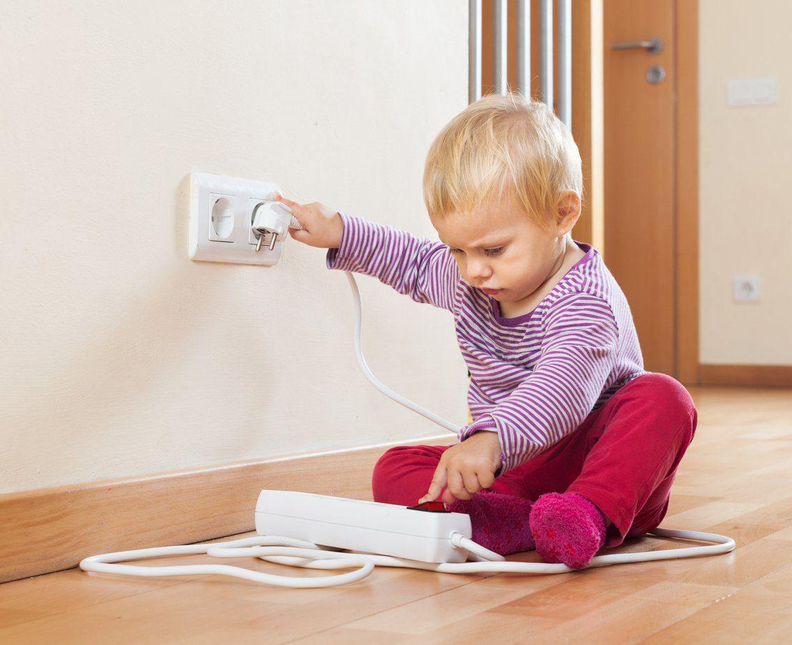 Bebekler için evi güvenli hale getirmek.