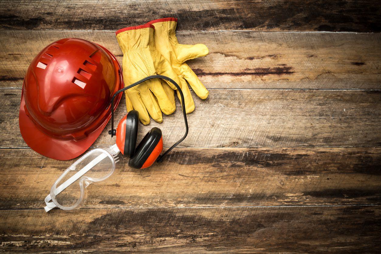 İş güvenliği için gerekli giysiler.