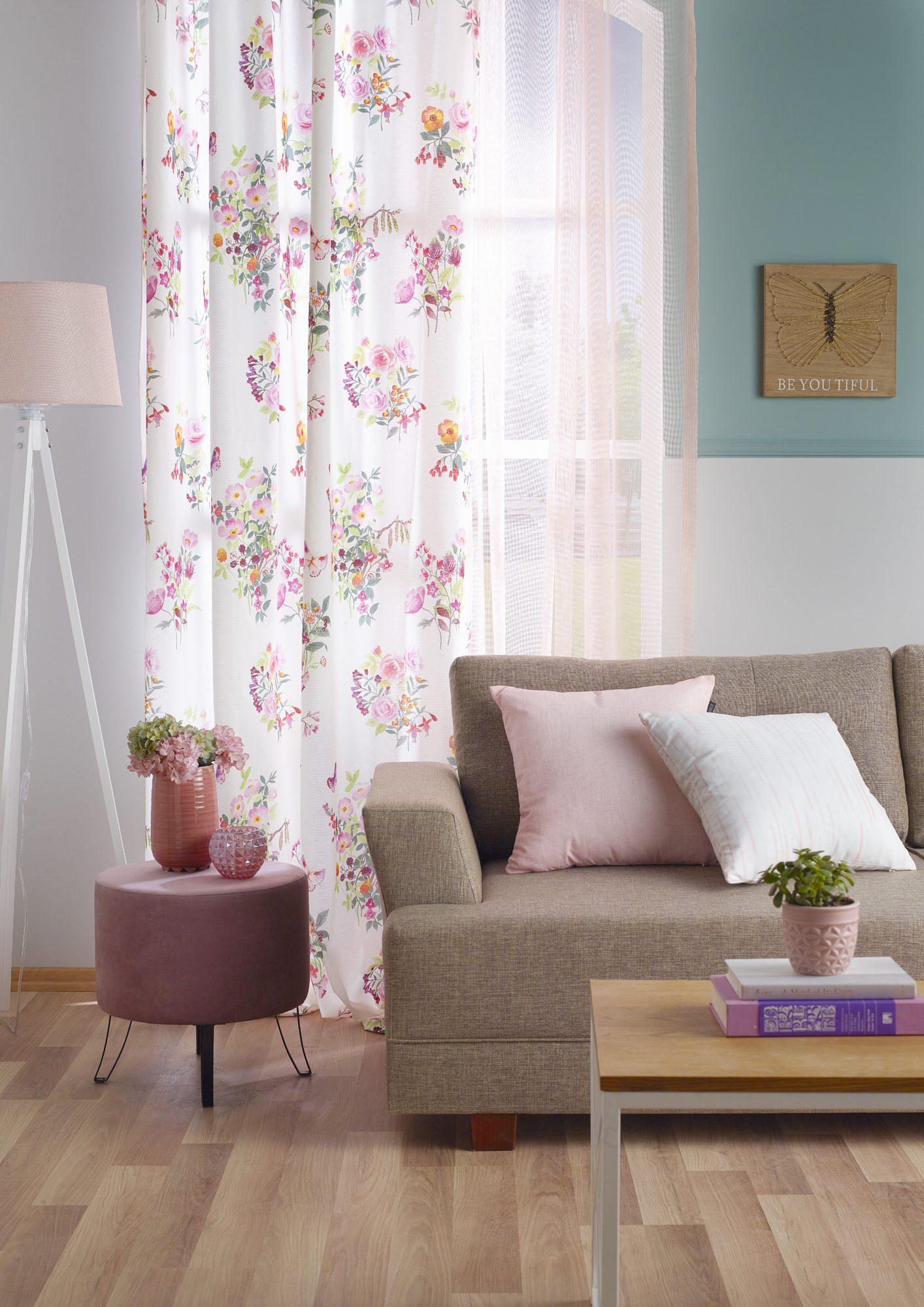 Romantik dekorasyon için mobilyalar.