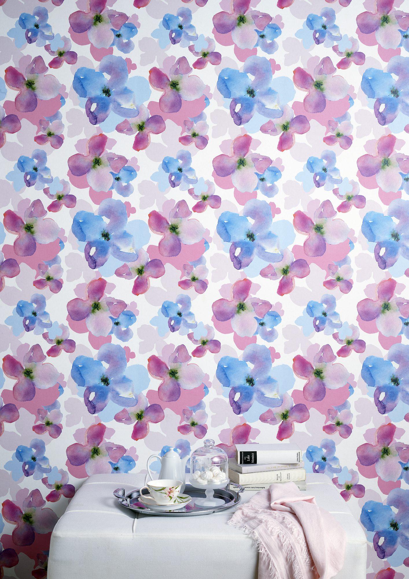 Çiçek desenli duvar kağıtları.