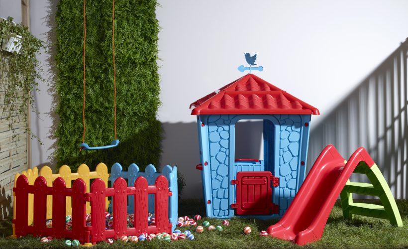 Çocuk bahçe malzemeleri.