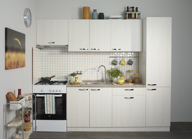 Mutfak dekorasyonunda açık renk kullanımı.
