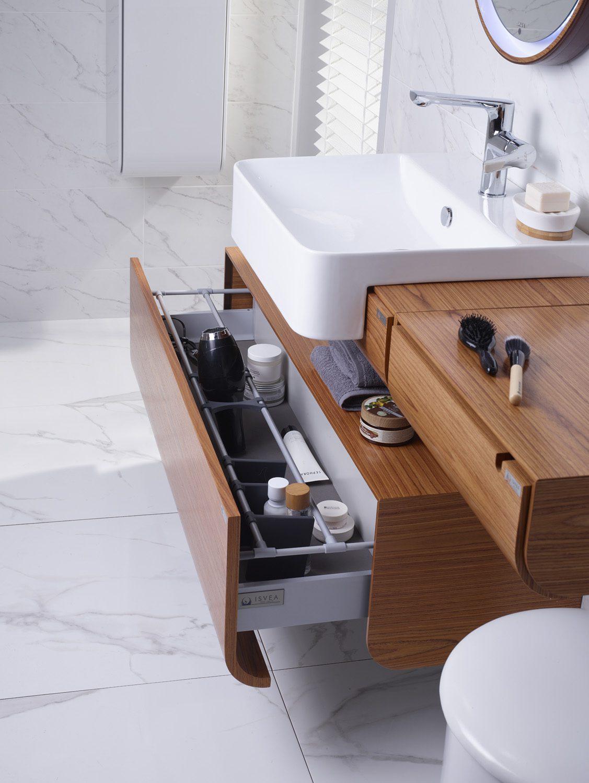 Tercihlerinizi farklı alanlar sunan banyo dolaplarından yana kullanın.