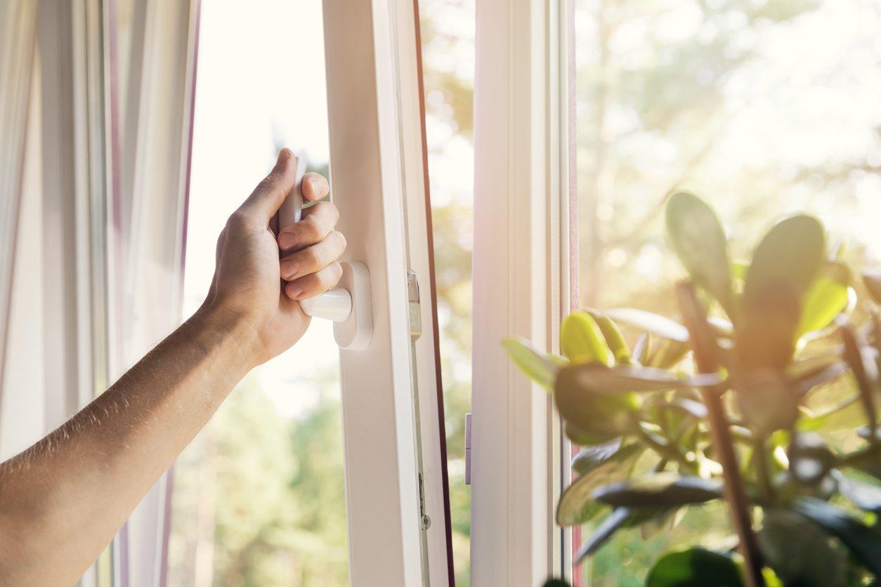 Tozlardan kurtulmak için evinizi bol bol havalandırın.