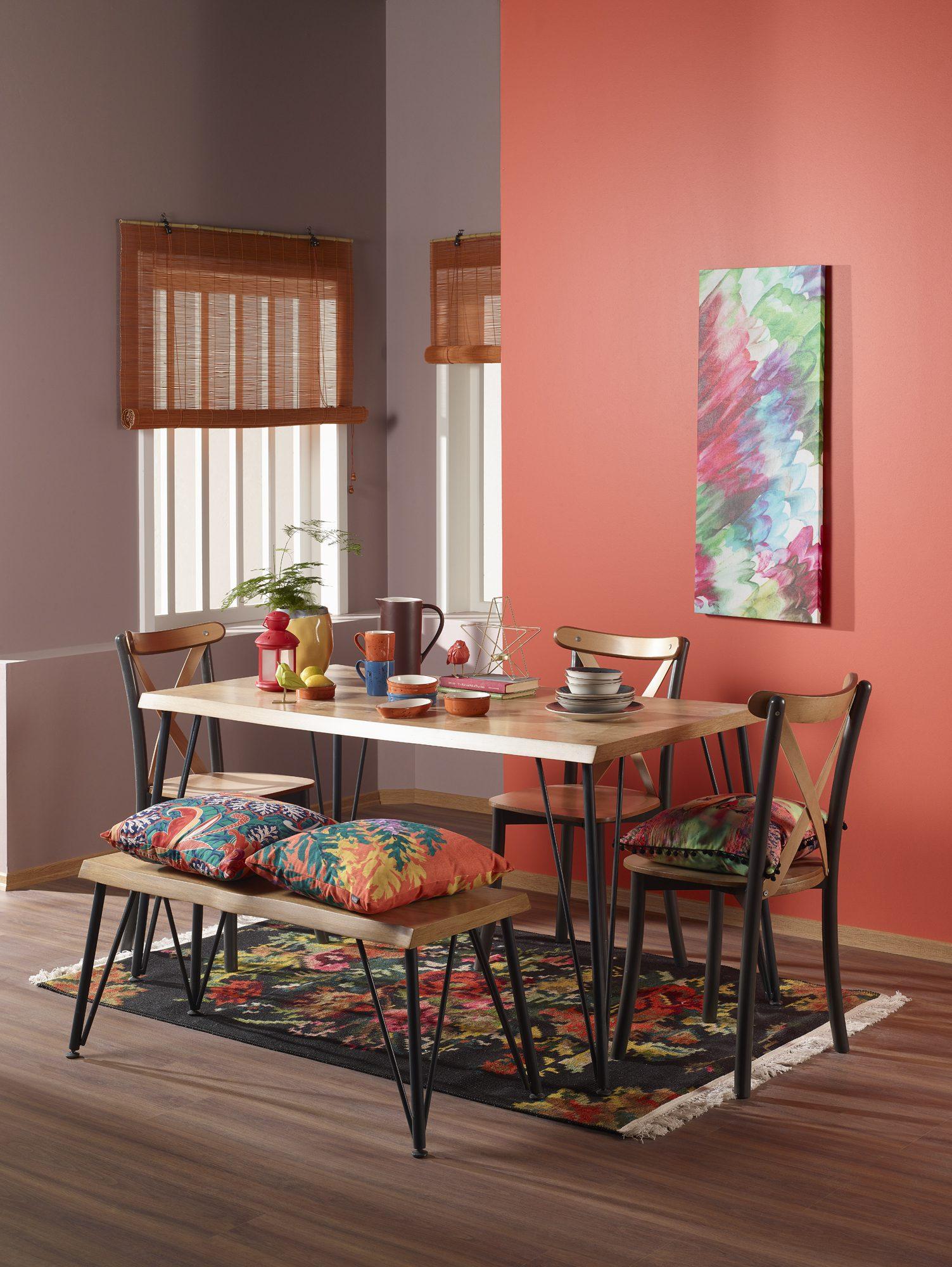 Ev dekorasyonunda canlı renkler kullanma