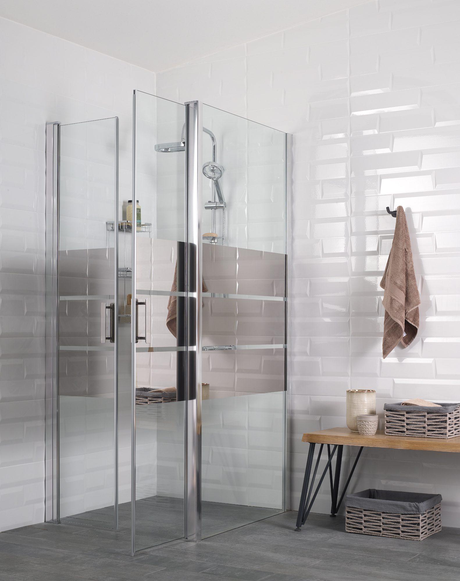 Desenli duşakabinler