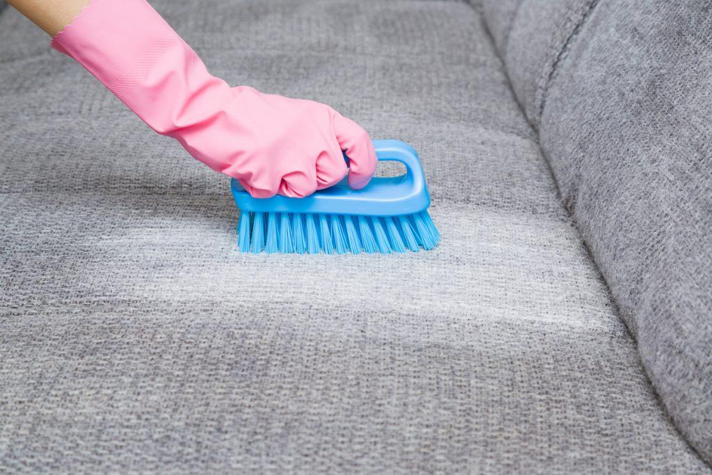 Karbonatla koltuk temizleme.
