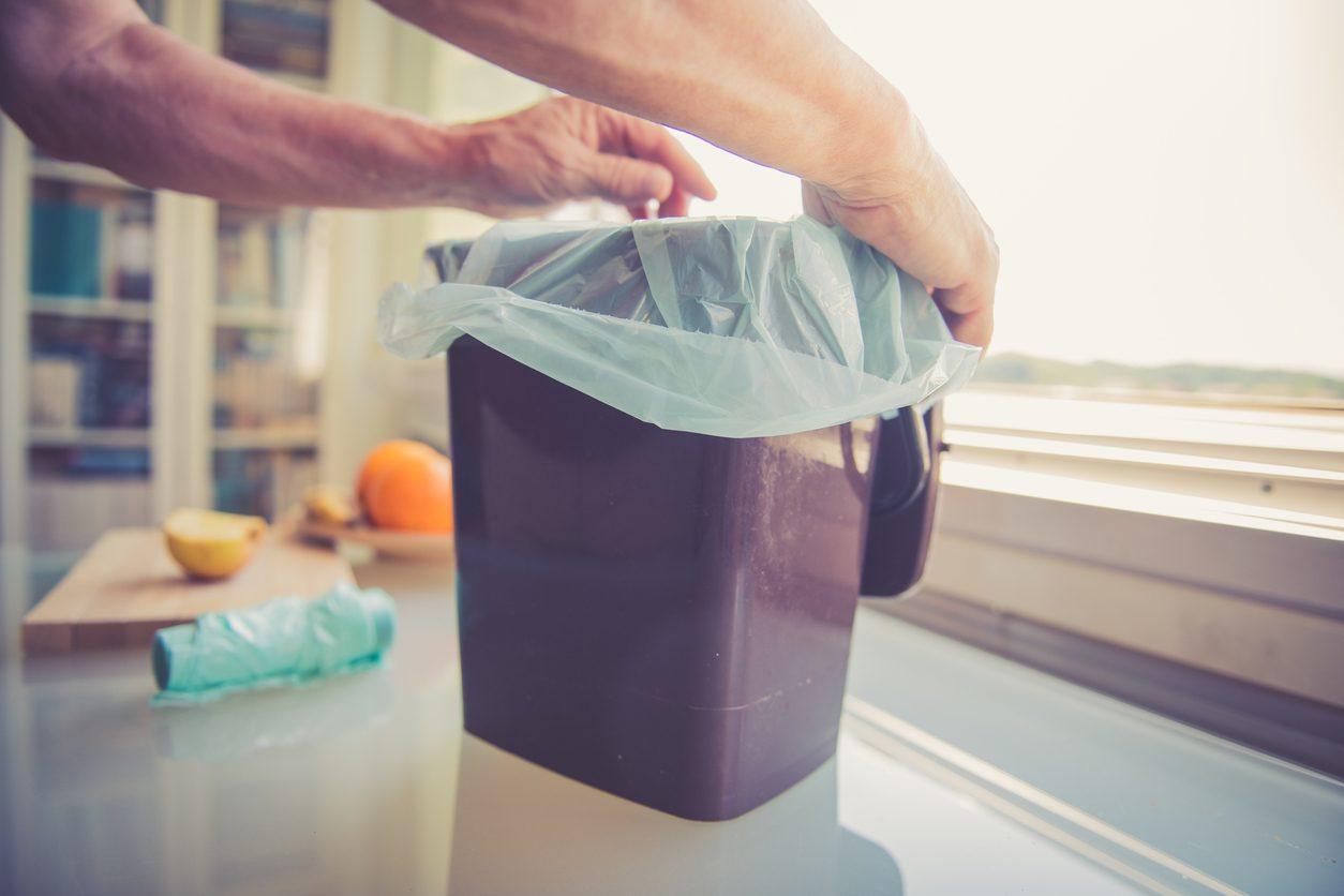 Çöp Kokusu Nasıl Giderilir