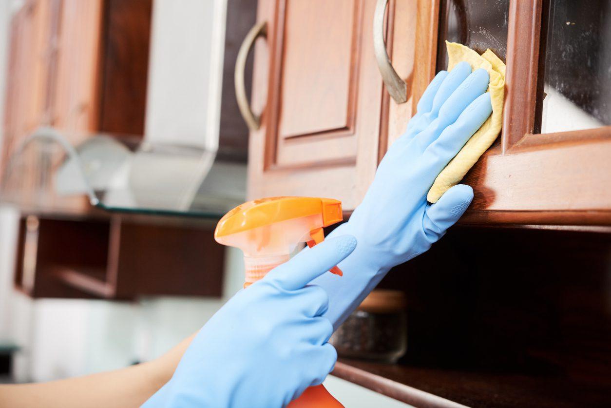 Mutfak Dolabı Nasıl Silinir