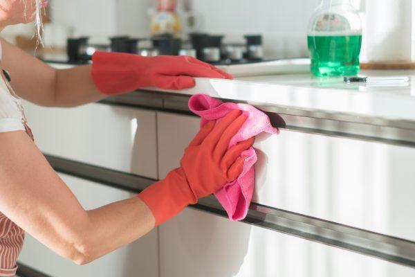 Mutfak Dolabı Nasıl Temizlenir