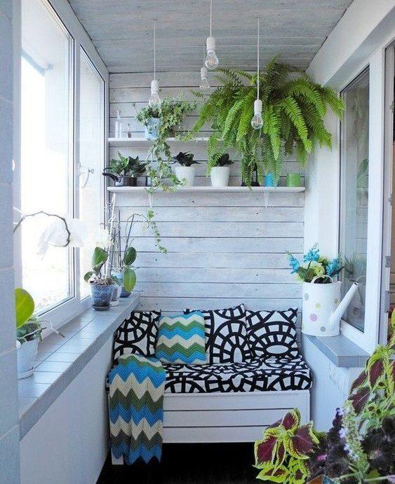Balkon Duvarı Nasıl Dekore Edilir