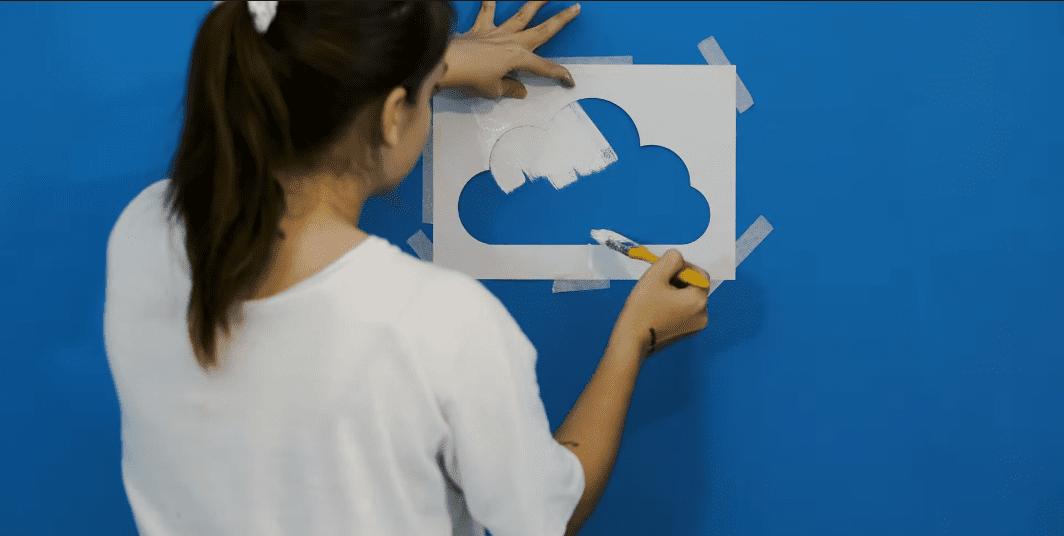 Duvara Bulut Yapımı
